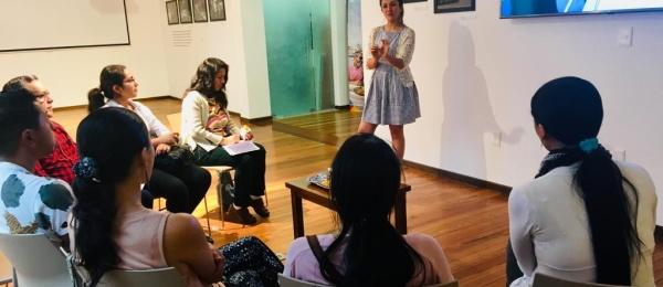 Colombianos en Montevideo se informaron en la primera microferia virtual 'Conéctate con Colombia' de los servicios que les ofrece el Estado